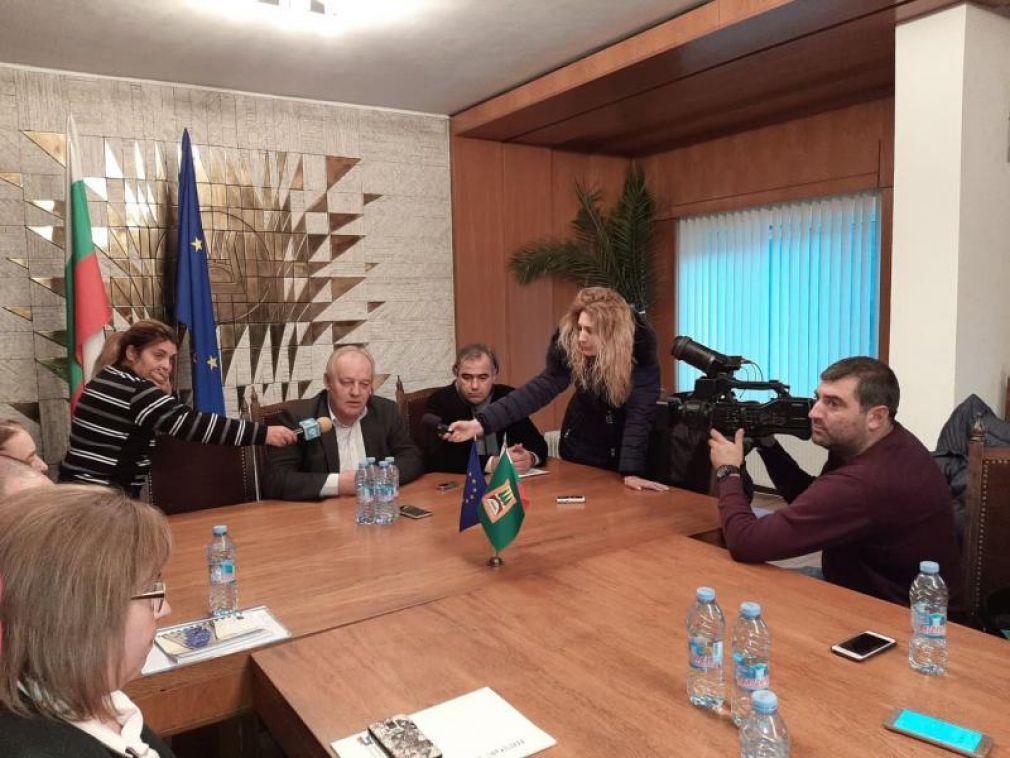 Кметът Мелемов призова родителите да подават сигнали ако от детските градини събират пари от тях
