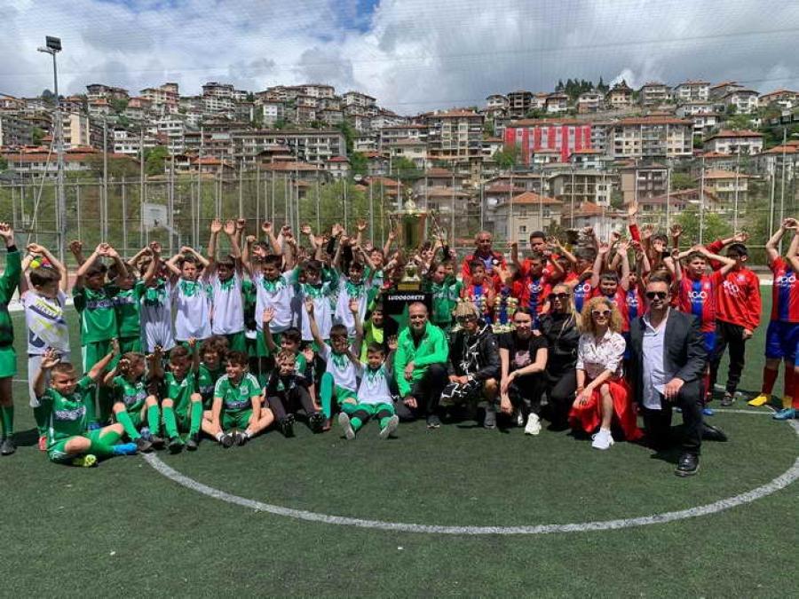Златната Ренета Камберова и шампионската купа на Лудогорец зарадваха младежи в Смолян