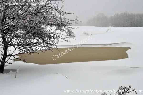 Червен код за сняг за Смолян и за сняг и вятър за Хасково и Кърджали