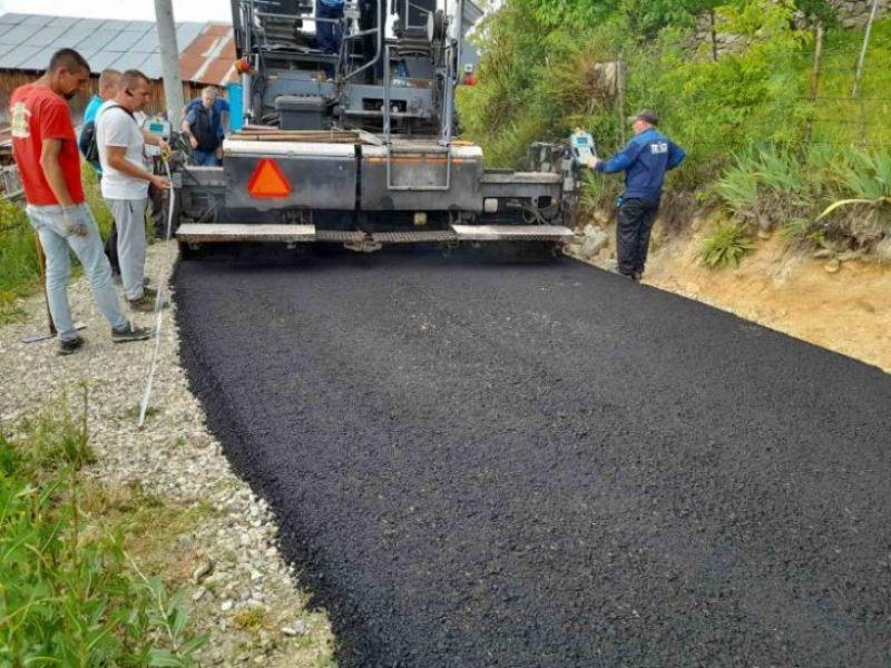 Започва асфалтирането на улици в с. Любча и с. Црънча