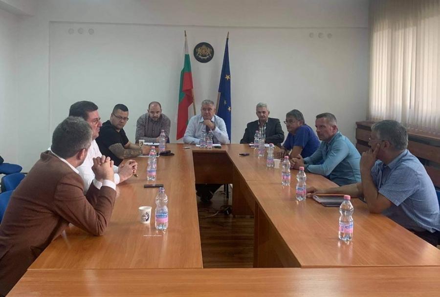 Областният управител проведе среща с представители на парламентарно представените политически сили във връзка с предстоящите избори