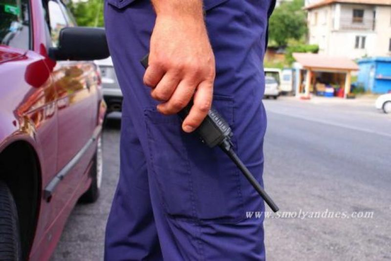 Глобиха жената, която изскача внезапно пред автомобили в Смолян