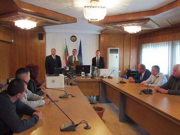 Областният управител откри първото заседание на РИК-Смолян, с което започва същинската работа на Комисията за предстоящия евровот