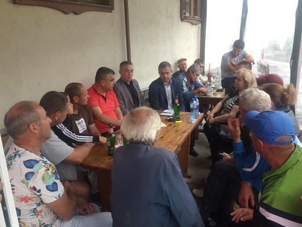 Депутатът на ДПС Хайри Садъков, проведе среща с жителите на три квартала в Смолян