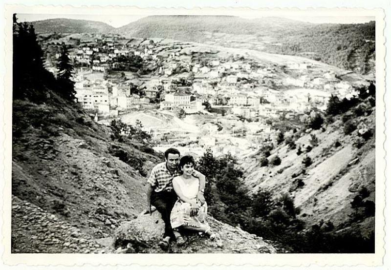 В навечерието на празника Въведение Богородично и Ден на християнското семейство Сълза и Атанас Беширови честват 60 години щастлив семеен живот