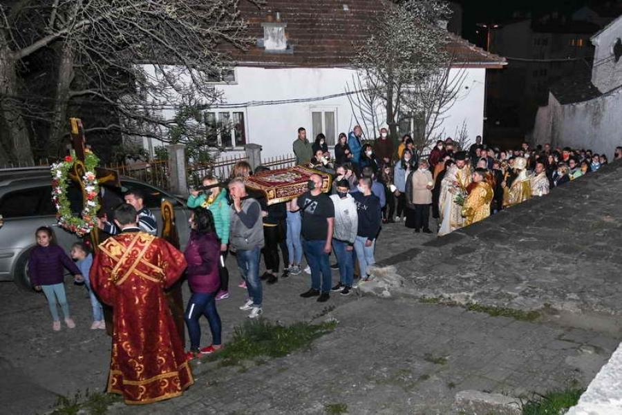 """Епископ Висарион на Разпети петък: """"Чрез Кръстната смърт на Сина Божий е потъпкана смъртта и Божията милост се дарува на хората."""""""