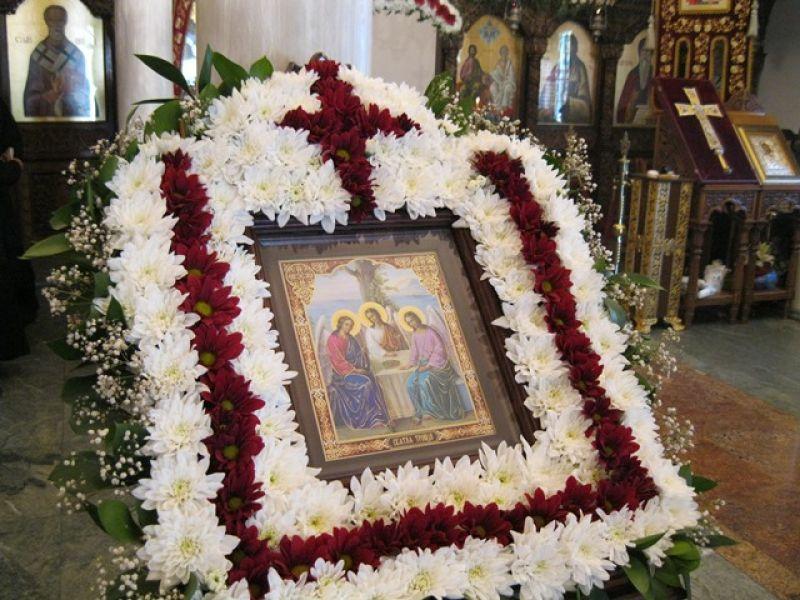 Две богослужения на архимандрит Висарион – на Петдесетница и на Свети Дух