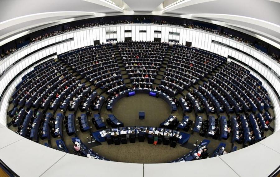 Евродепутатите предупреждават за влошаване на основните права в ЕС