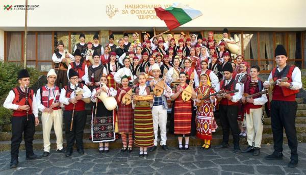 Талантите от Музикалното училище в Широка лъка представиха музикален спектакъл по случай Трети март