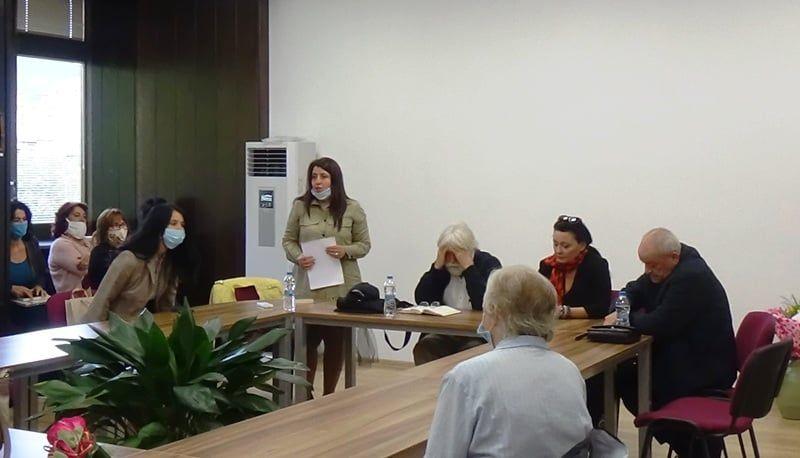 Творческа среща с писателката Мария Лалева в смолянската библиотека