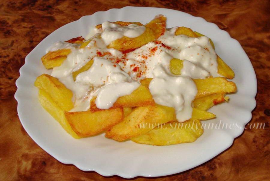Пържени картофи с млечен сос