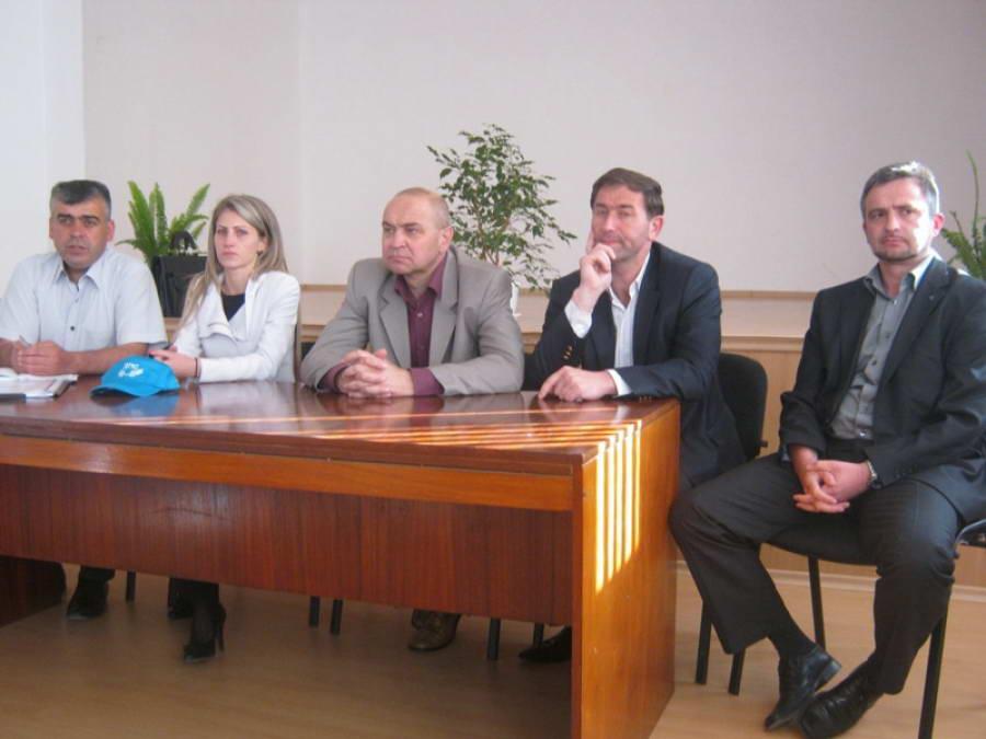 Жителите на Средногорци пред кандидат-депутатите на ДПС: Ние сме с вас