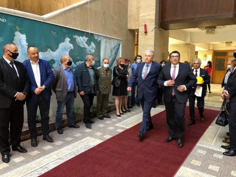 Новият областен управител Стефан Сабрутев встъпи официално в длъжност тази сутрин