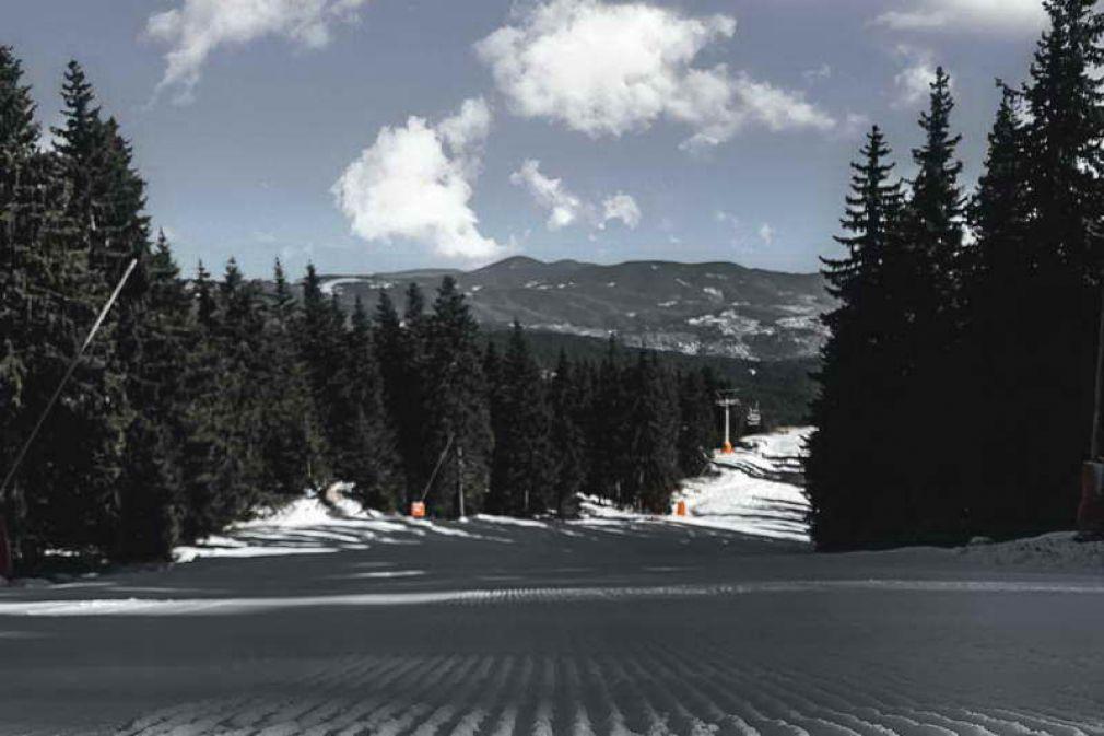 Чудесни условия за ски в Пампорово-Мечи чал, въпреки сухата зима