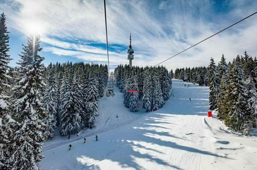 Ски зоната в Пампорово е затворена заради неблагоприятни метеорологични условия