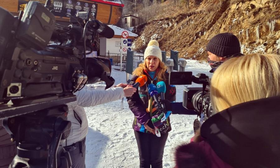 Вицепремиерът Марияна Николова в Пампорово: Очакваме по-малък спад на туристите за зимния сезон в курорта