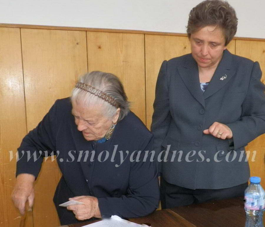 Дора Янкова заедно с майка си Злата Филева