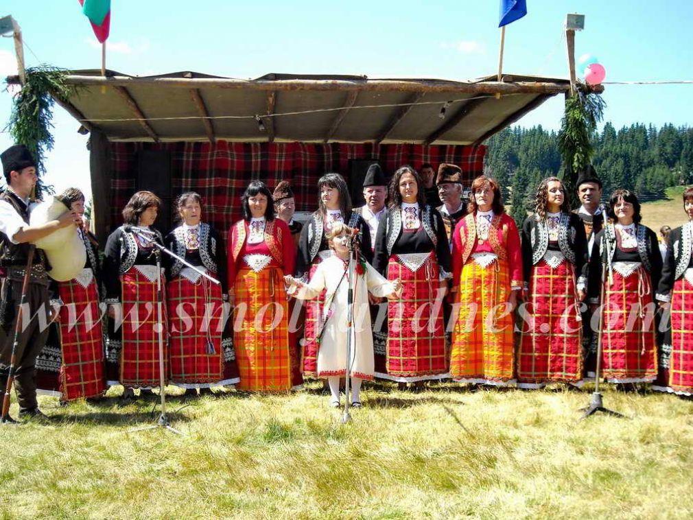 """За пръв път """"Хайдушки поляни"""" събраха пет села на събор"""