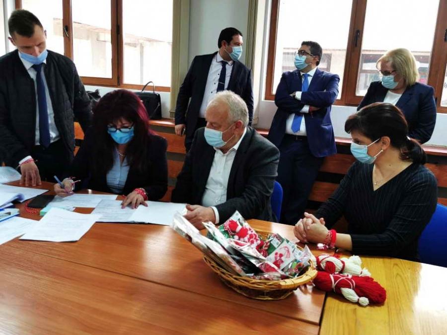 Коалицията ГЕРБ-СДС регистрира листата си за кандидати за народни представители в Смолян