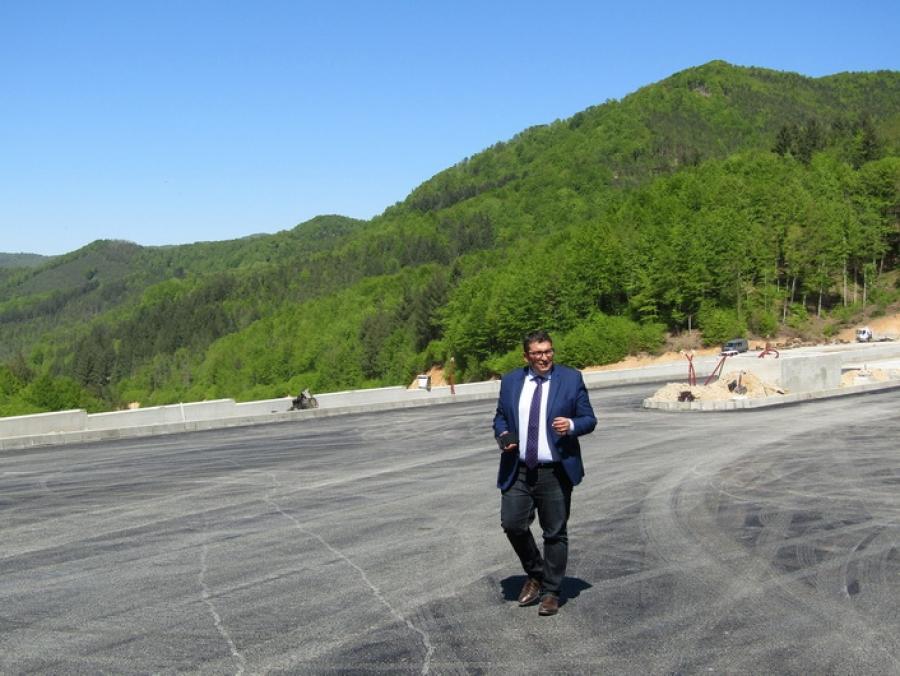 """Обект """"Граничен контролно-пропускателен пункт """"Рудозем-Ксанти"""" и подходен път"""" към момента е завършен на над 80%"""