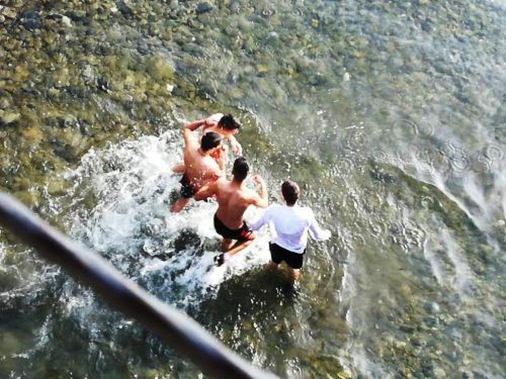 На Богоявление в Златоград, четирима юнаци се бориха за Христовия кръст