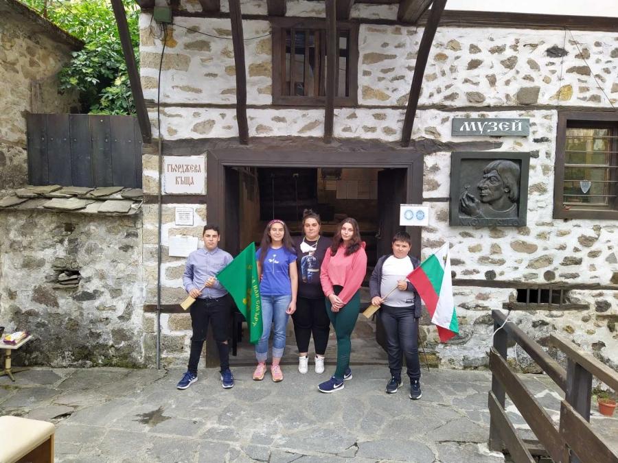 """Стихове на Ботев четоха ученици в Къща музей """"Ласло Наги"""""""