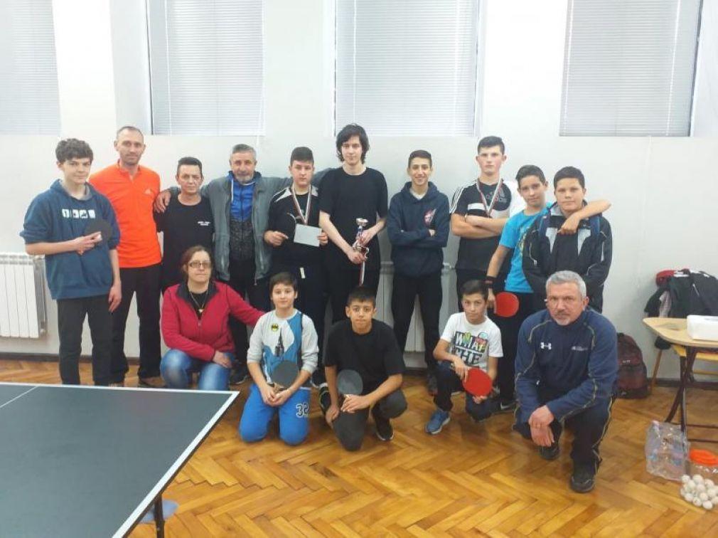 Кирил Русев спечели Купата на кмета на община Смолян в благотворителния турнир по тенис на маса