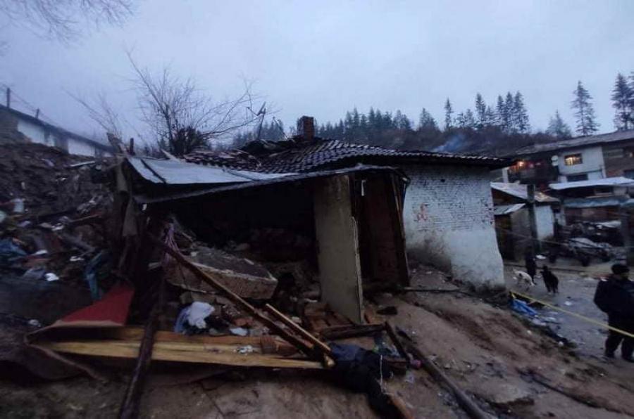Зам.-кметът инж. Мариана Цекова: Подготвят се общински жилища, в които да се настанят хората, останали без дом след като свлякла се земна маса събори къщата им