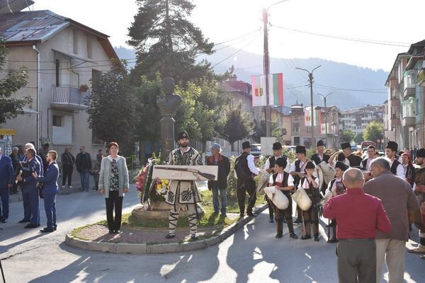 """За трета поредна година община Чепеларе беше домакин на Национални хайдушки празници """"Капитан Петко войвода"""""""