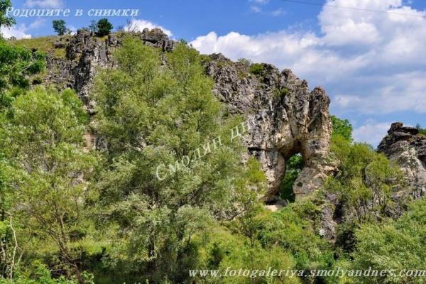 Скално образувание Слона - град Девин