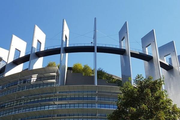 COVID-19: Евродепутатите освобождават над 3 млрд. евро в подкрепа на сектора на здравеопазването в ЕС