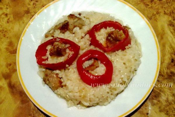 Ориз със свинско и чушки