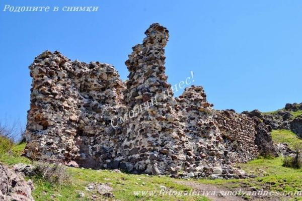 Крепост Моняк - село Широко поле