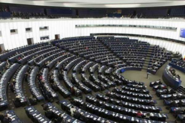 """Европейския парламентиска потребителите в ЕС да разполагат с """"право на поправка"""""""