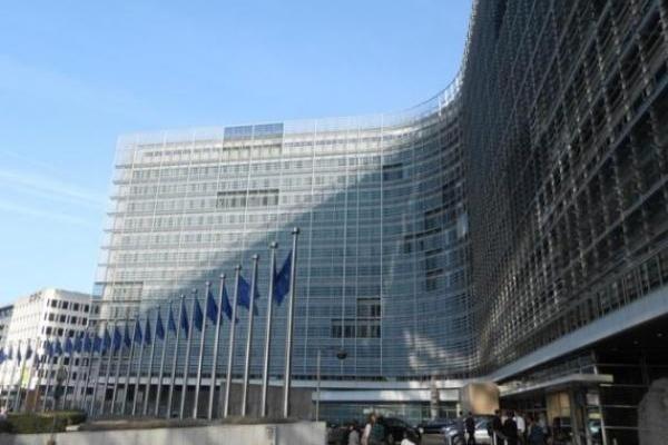 Европейски парламент: Необходими са повече усилия за равенството между половете