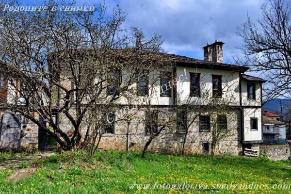 Конак - село Буката