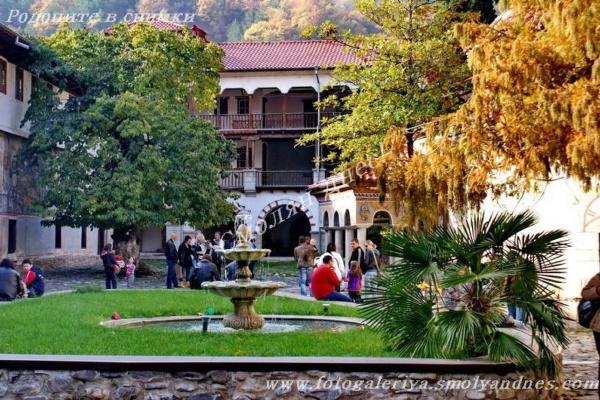 Бачковски манастир - село Бачково