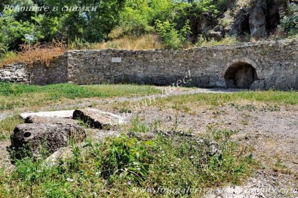 Светилище на нимфите и Афродита - село Каснаково