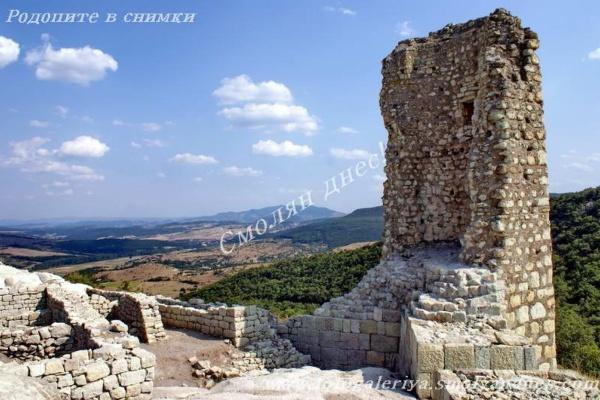 Крепост Перперикон - село Горна крепост