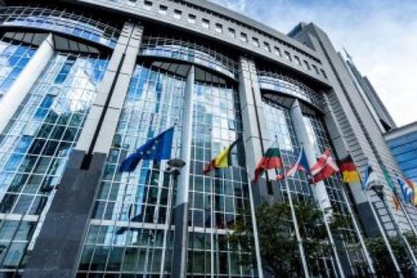 Евродепутатите настояват за общи възможности на ЕС за кибернетична отбрана