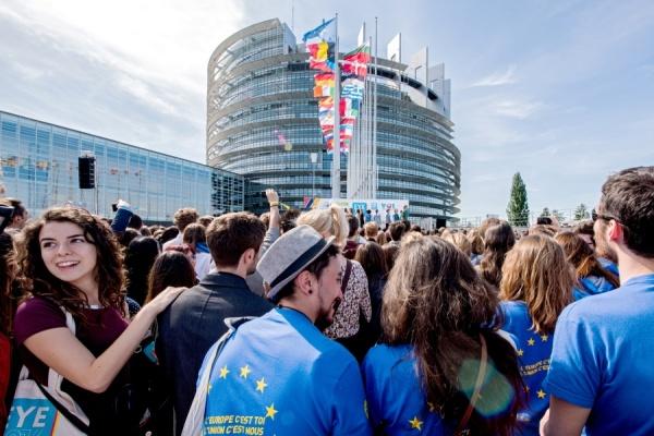 Младежка конференция EYE20201: младите хора предлагат своите решения за бъдещето на Европа