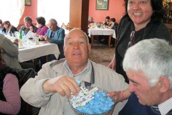 """""""Европа Директно"""" изненада пенсионерите с атрактивен пролетен бал"""