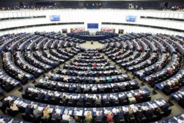 COVID-19: държавите членки трябва да хармонизират здравните оценки и мерките, искат евродепутатите