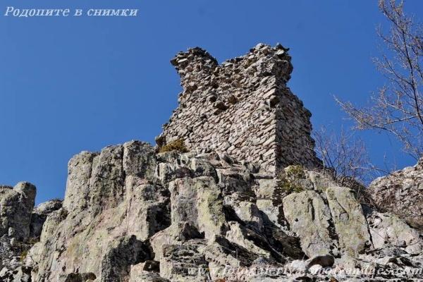 Крепост Устра - село Устрен