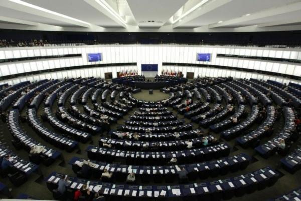 Права на човека: Евродепутатите искат корупцията да се наказва с режима за санкции на ЕС