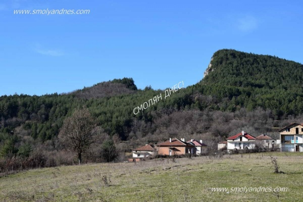 Счупената планина - град Джебел