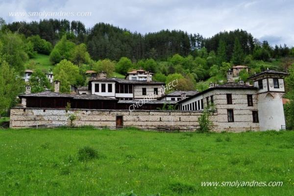 Агушеви конаци - село Могилица
