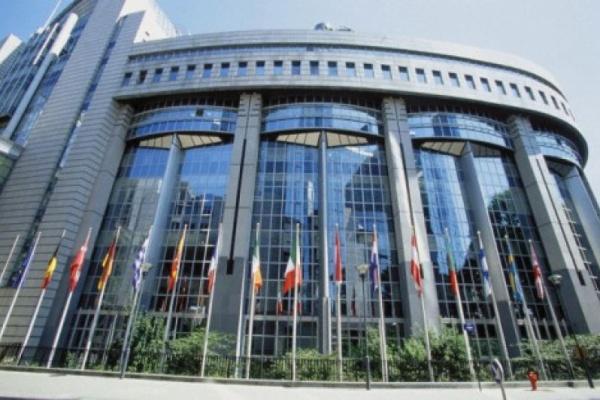ЕС трябва да даде приоритет на борбата срещу младежката безработица, бездомността и бедността