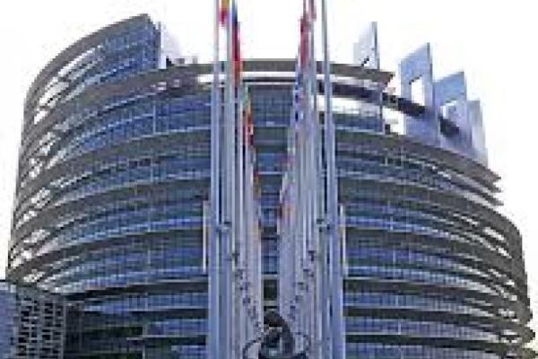 Евродепутатите представят нови мерки за спиране на изпирането на пари