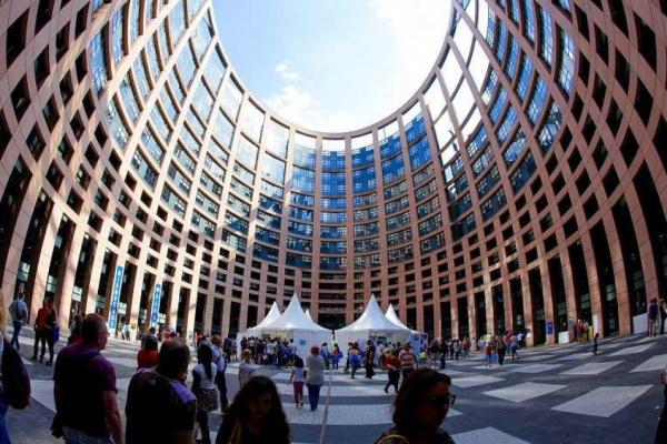Брекзит: евродепутатите изразяват загриженост относно правата на гражданите